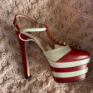 Auth GUCCI Red/white stripe platform Tiger heels